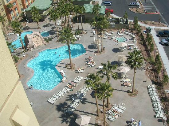 Grandview at Las Vegas: Pool area.