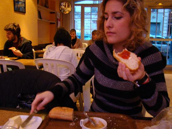 Auberge International des Jeunes: breakfast