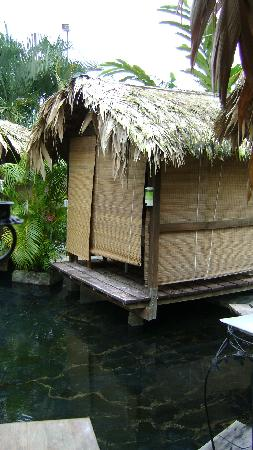 La Fortuna de San Carlos, Costa Rica: Massage Hut over Hot Springs Pool