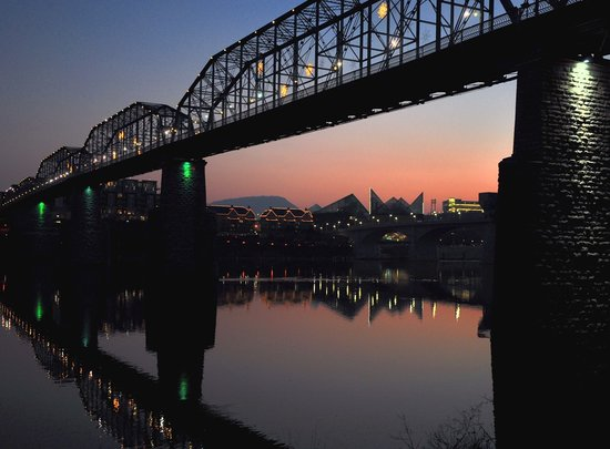 ‪Walnut Street Bridge‬