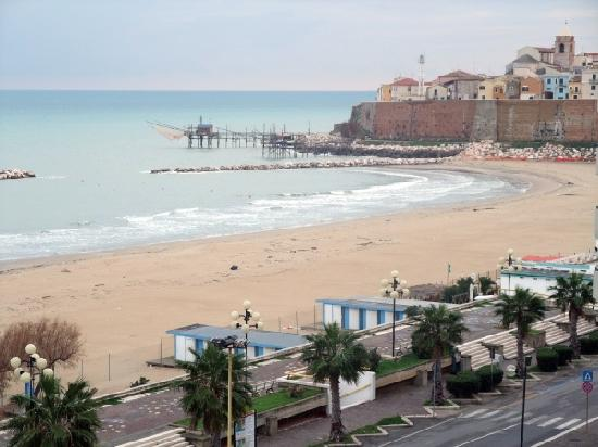 Hotel Meridiano Termoli: Room with a balcony and view