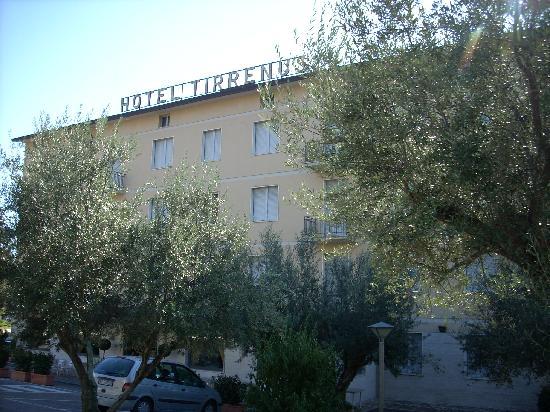 Hotel Tirrenus Perugia: Hotel Tirrenus ad agosto
