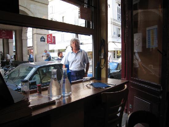 Le Petit Vatel : View to the street - and of Your Host