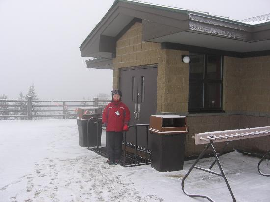 Jackson Gore Inn: Summit cafe at top of mountain