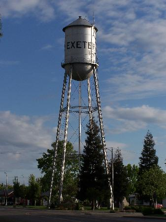 The Exeter water tower greets visitors from Hwy. 65 (Kaweah Ave.)