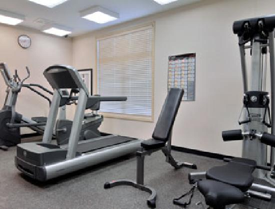 Ramada Drayton Valley: Fitness Center