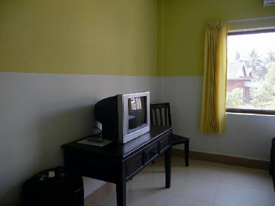 Encore Angkor Hotel: TV