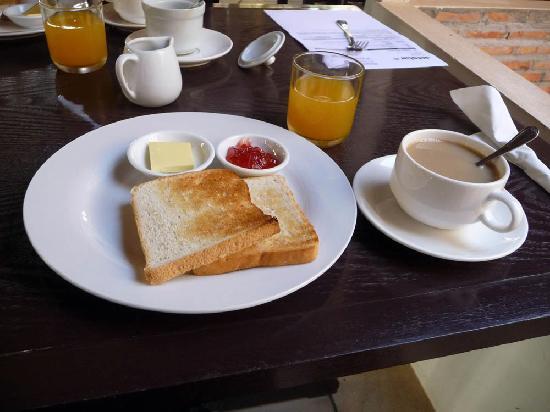 Encore Angkor Hotel: Breakfast