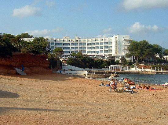 Palladium Hotel Don Carlos: Hotel Don Carlos from the Beach