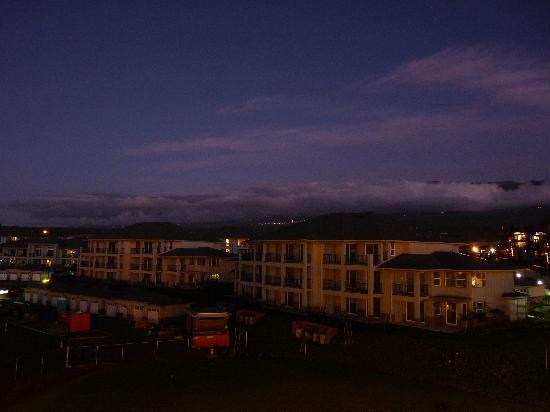 Kamaole Beach Royale Resort, ( #608): Area behind the condo at night