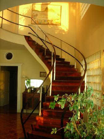 Rio Guest House ( Marta's Guest House): Stairway in Marta's Guesthouse