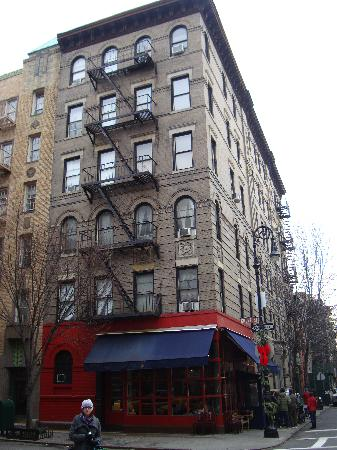 The Little Owl : NYC - 'Friends apartment' (Bedford St/Grove St, Greenwich)