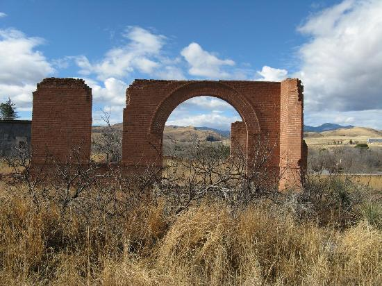 ruin of court house Hillsboro NM