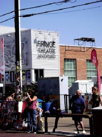 Whyte Avenue : The Fringe Festival in the Summer