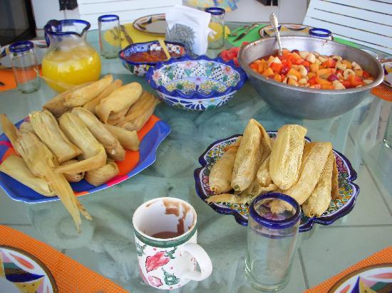 Casa de Ensuenos B & B: Sunday breakfast