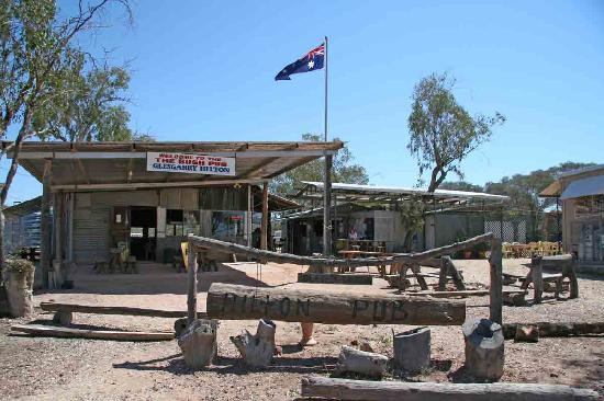 Lightning Ridge, Australia: GlenGary Hilton bush pub