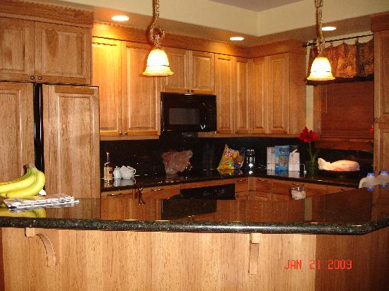Storm Meadows Townhomes: Kitchen had everything!