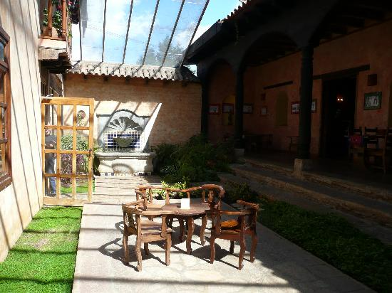 Hotel Casavieja: One of the courtyards