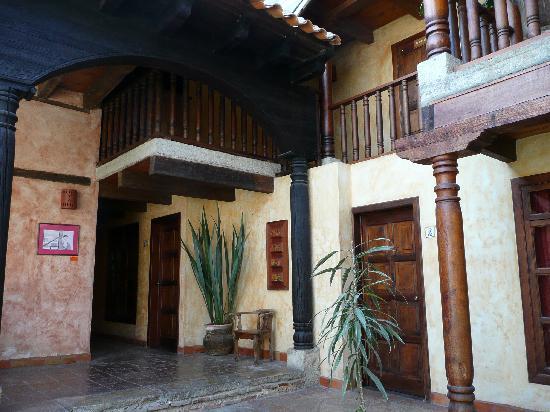 Hotel Casavieja: Lobby area