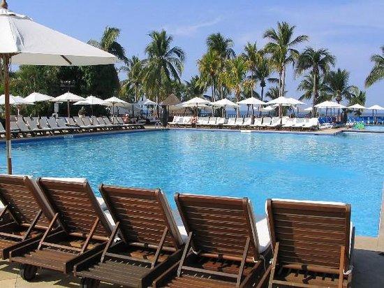 Club Med Ixtapa Pacific: The pool