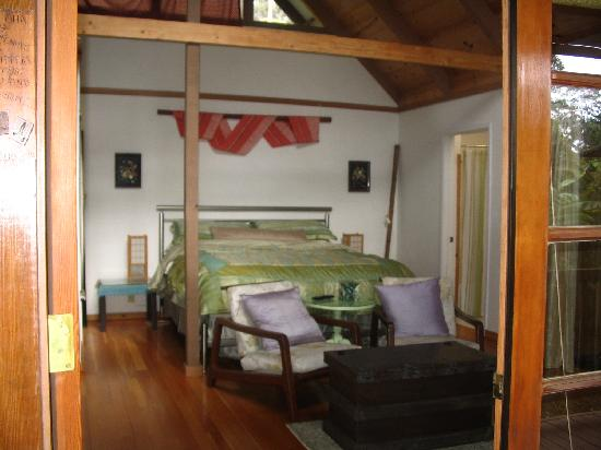 Lotus Garden Cottages: The most comfortable bed ever!