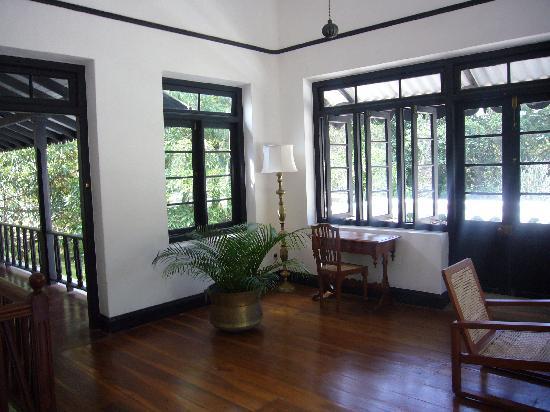Horathapola Estate : Upstairs landing