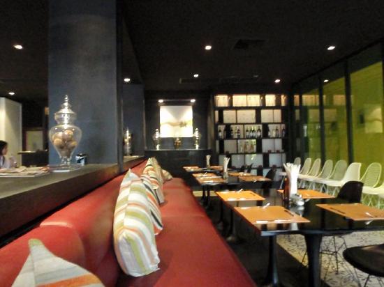 The Heritage Baan Silom Hotel : breakfast area