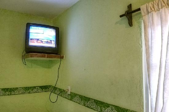 Hotel Posadas Addy: Une télé cablée