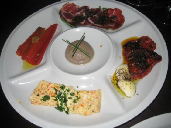 Cabaña Las Lilas : Complimentary appetizers