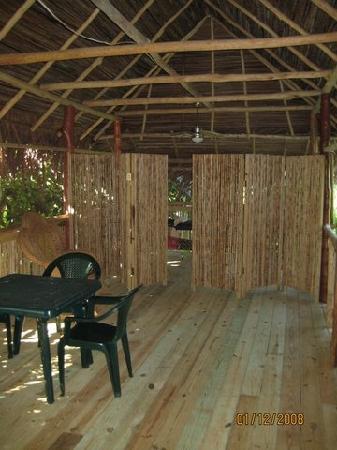 Garden of Eden Inn: Common area: games/massage