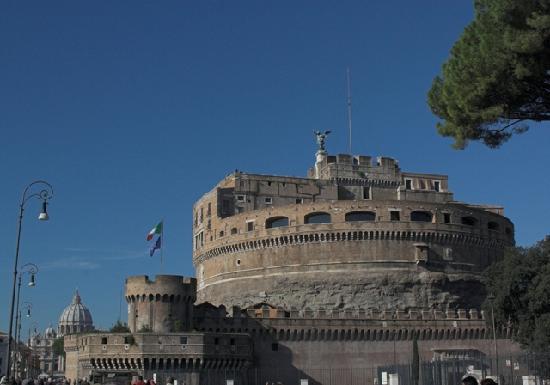 Baldassini B&B: Castelle St Angelo   500m NW