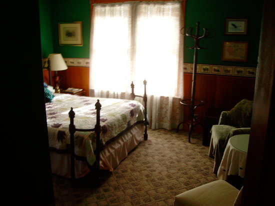 Anton-Walsh House: one of the 3 rooms you can stay in