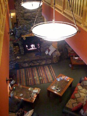 Ice Lakes Lodge at Royal Gorge: View of the lobby from the upstairs rooms