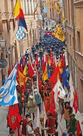 Palazzo Masi: The parade prepares below our window