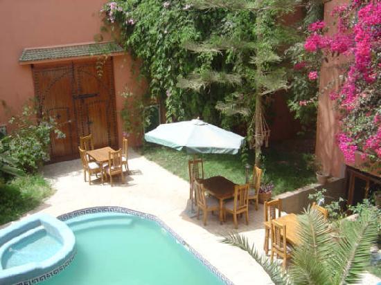 Riad Imourane : autour de la piscine