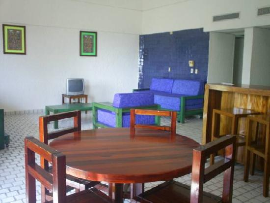 Hotel Villas Paraiso: salita de la habitacion