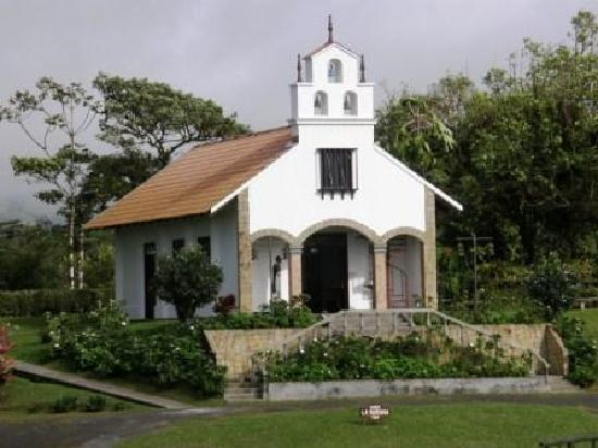 Villa Blanca Cloud Forest Hotel and Nature Reserve: The chapel