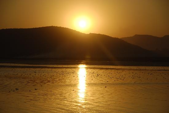 Taj Lake Palace Udaipur: Sunset from the smoking area