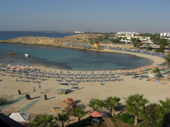 Tasia Maris Sands Beach Hotel : View from hotel balcony