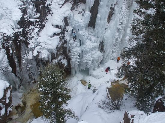 Ouray Ice Park: climbers