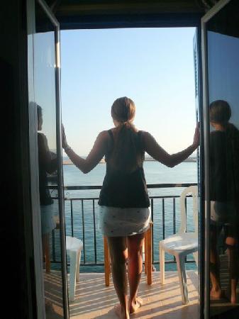Loukia Hotel: Waking up