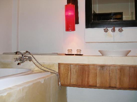 """ذا تاكولا ريزورت آند سبا: view of """"my"""" bathroom"""