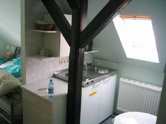 Hotel Garni Kirchner: kitchenette