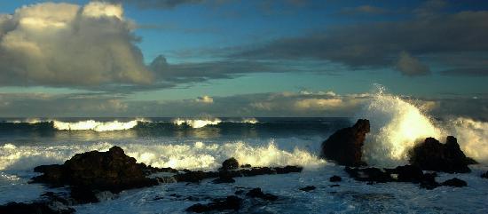 Paia, هاواي: Ho'okipa Beach at sunrise
