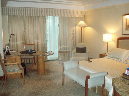 Pan Pacific Manila : My room at the Pan Pacific