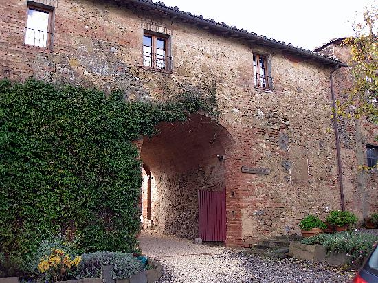 Agriturismo Marciano: view from the outside