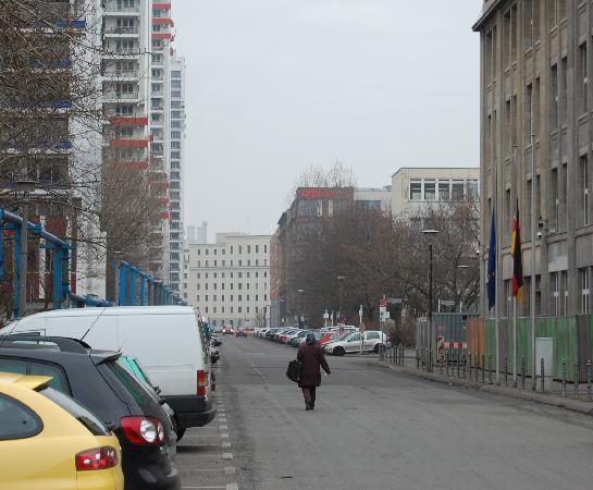Adina Apartment Hotel Berlin Checkpoint Charlie: hotel