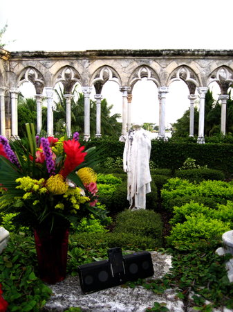 One&Only Resorts : More Cloisters