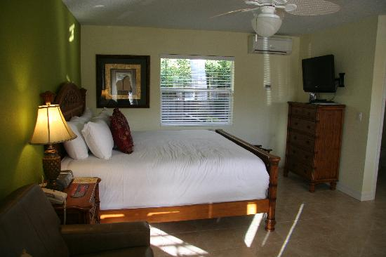 Tropical Beach Resorts: comfy digs