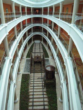 Iberostar Grand Hotel Bavaro : Walkway